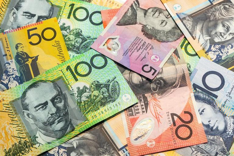 Australian banknotes © Ae Cherayut / Shutterstock