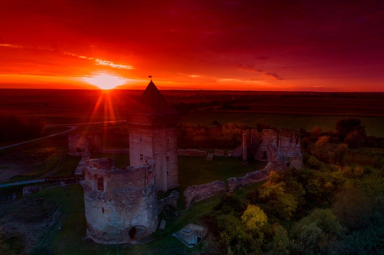 A glorious sunset over Bač fortress