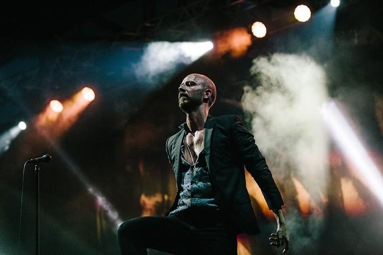 Sivert Høyem on stage, © Mariza Kapsabeli, Courtesy of Sivert Høyem