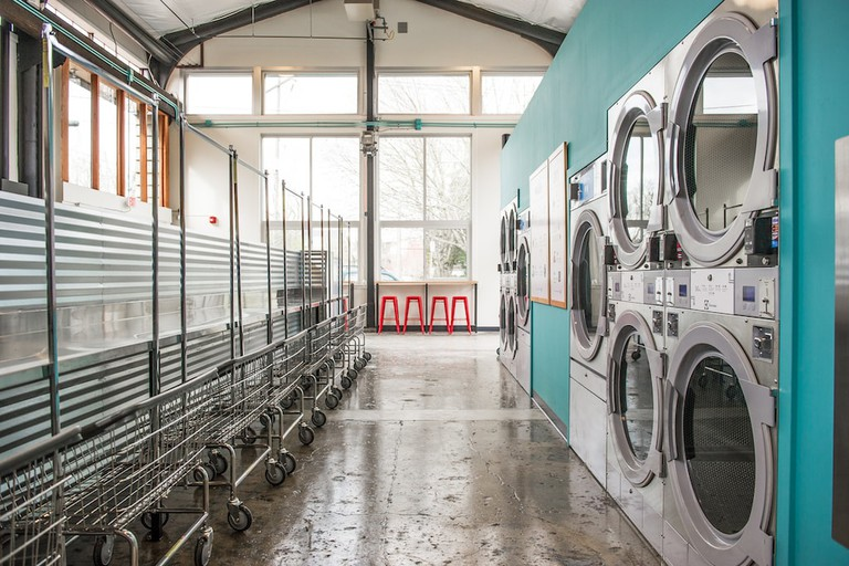 spin-laundry-lounge-featured-image