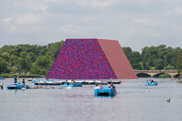 The London Mastaba on Serpentine Lake, 2018