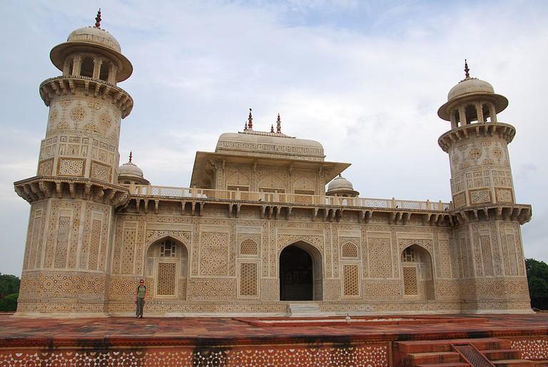 Tomb of Itimad-ud-Daulah.v1