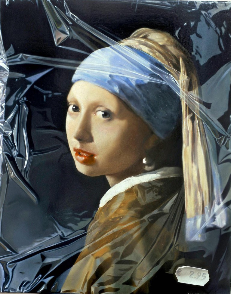 girl with a pearl earring in plastic 2003  75 x 60 cm o/dPO London