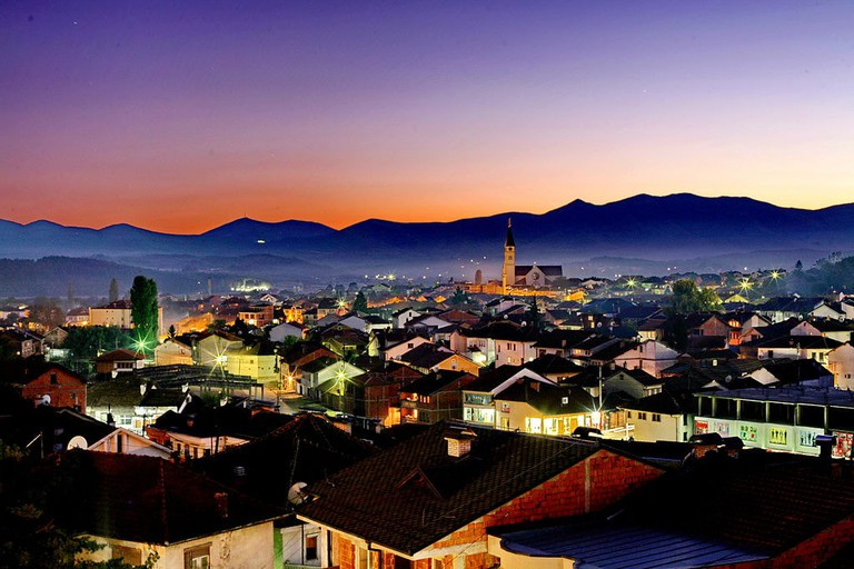 07_Gjakova_Naten_Gjakova_at_Night