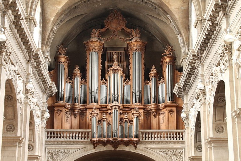 1024px-Buffet_grand-orgue