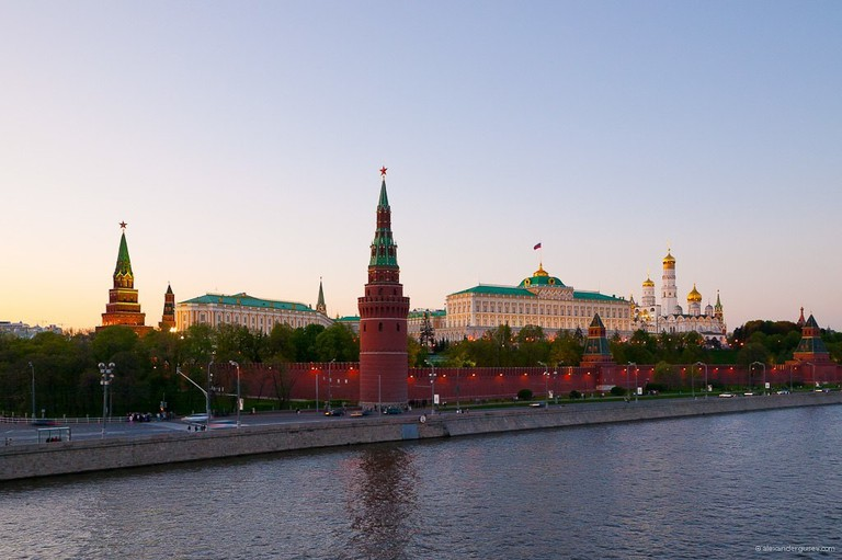 1024px-Kremlin_from_Bolshoy_kamenny_bridge
