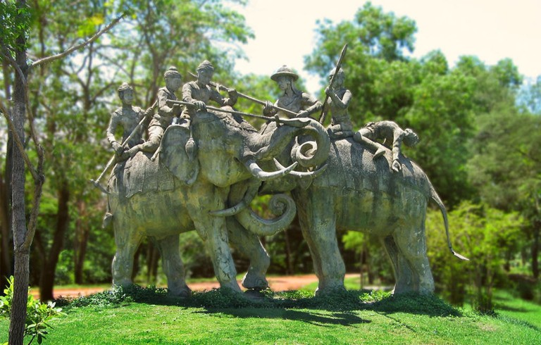 Statue of elephant battle