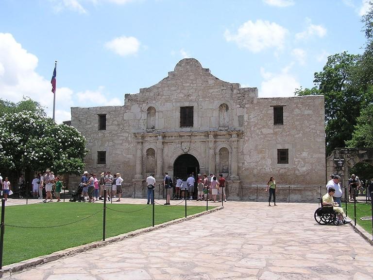 1024px-San_Antonio_Texas_Alamo
