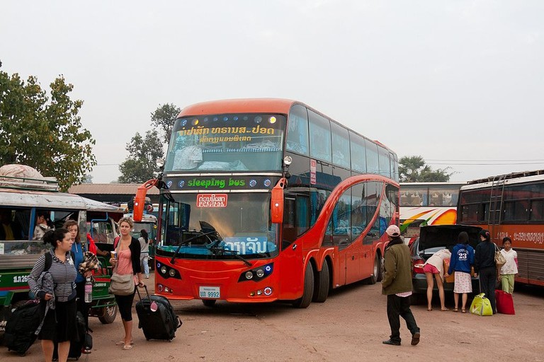 1024px-Sleeper_bus_at_Vientiane_Southern_bus_terminal