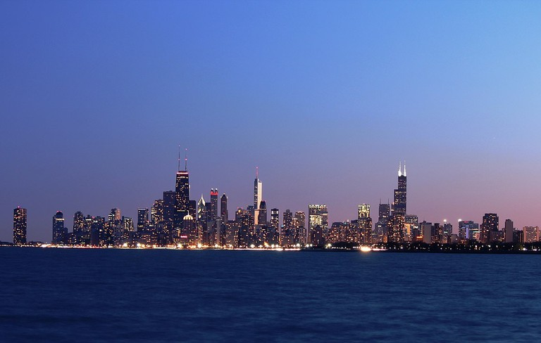 1200px-Chicago_skyline_from_Montrose_Harbor_at_night