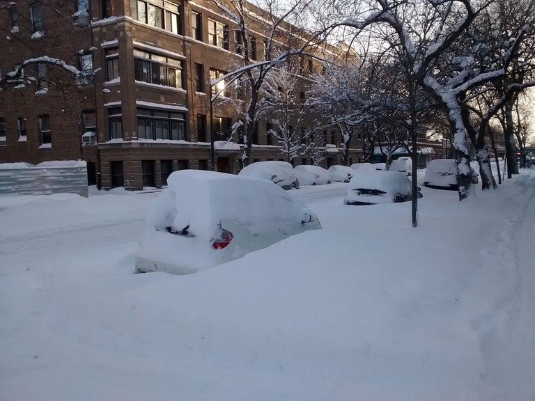 1200px-Snow_on_cars_in_Chicago_in_February_2015