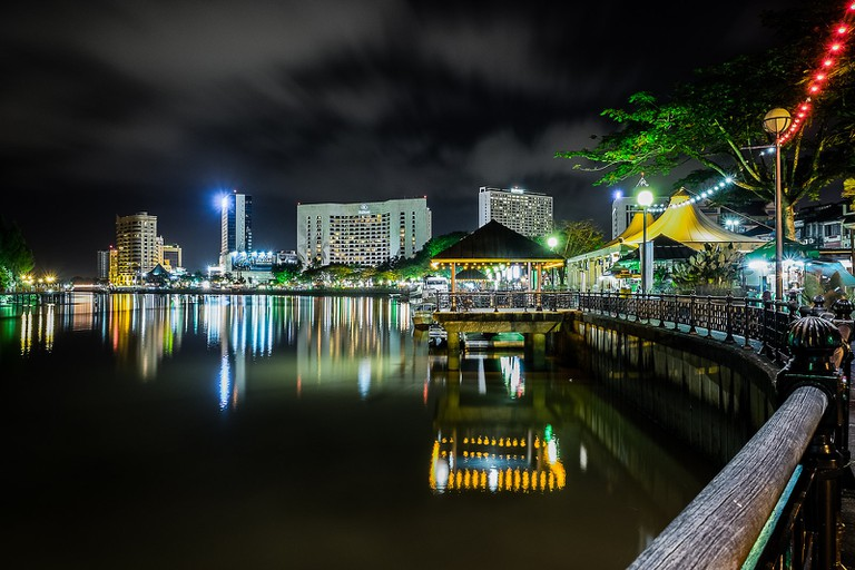 kuching waterfront night time