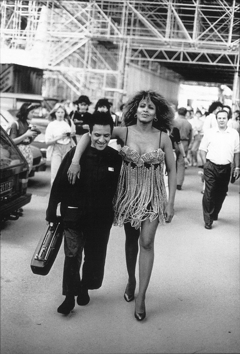 Azzedine Alaïa and Tina Turner under the Eiffel Tower, 1989
