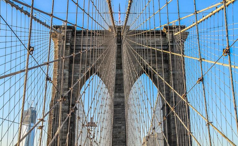 The Brooklyn Bridge connects Brooklyn with Manhattan