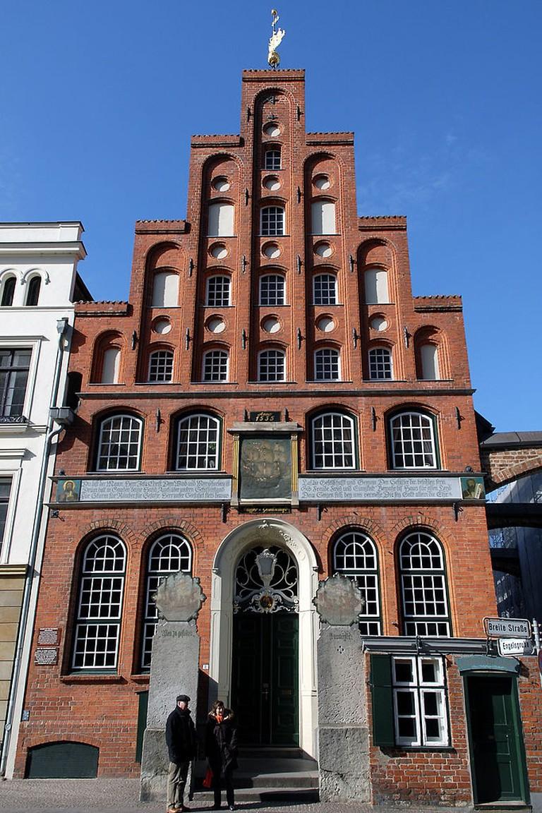 682px-Lübeck_Schiffergesellschaft_070311