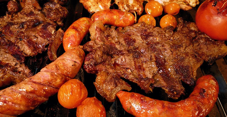 Uruguayan asado, parrilla, traditional Uruguayan dishes, barbecue, grilled meat