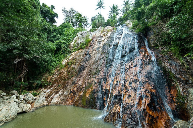 800px-Namuang_Waterfall