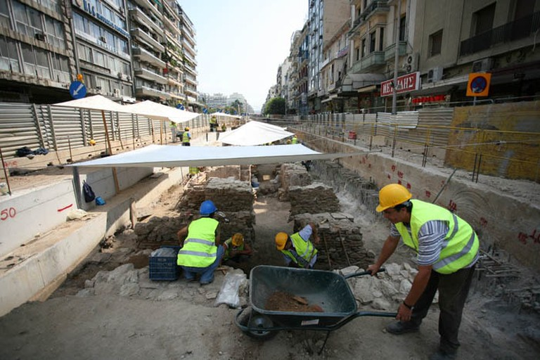Workers at work at Venizelou stop construction site, Thessaloniki