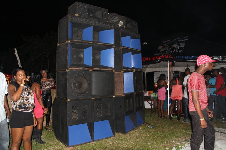 Bass_Odyssey_Sound_System_speaker_column,_Tropical_Hut,_St._Mary,_May_2012