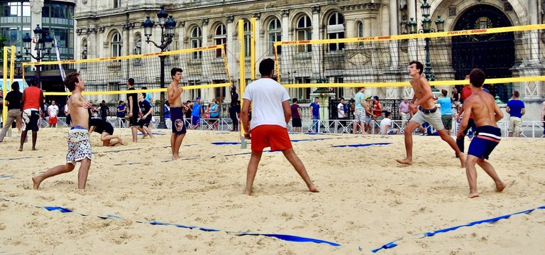 Beach Volley game: Pixabay