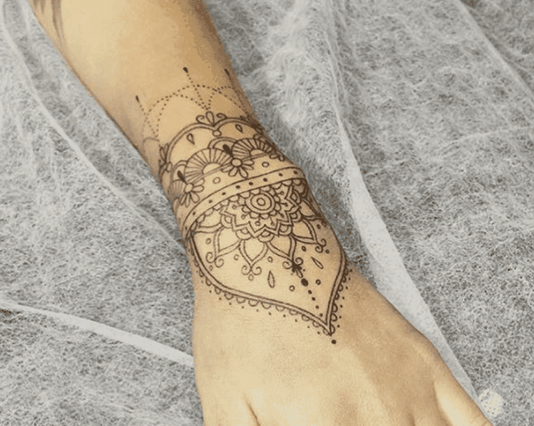 Gorgeous symmetrical wrist piece