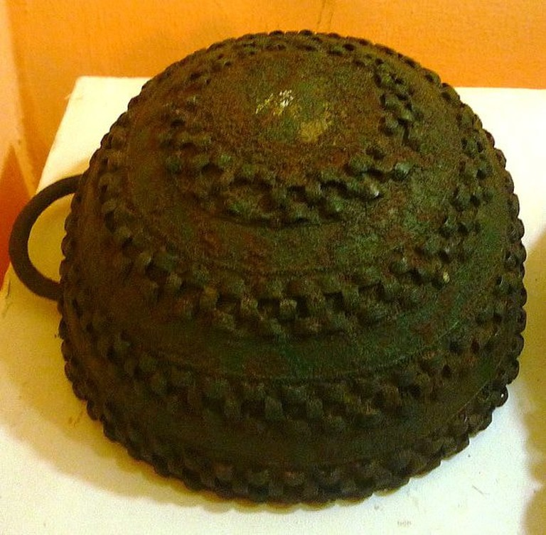 Bronze_pot,_Igbo-Ukwu,_9th_century