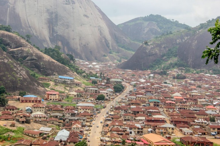 City_view_from_Idanre_hill_04