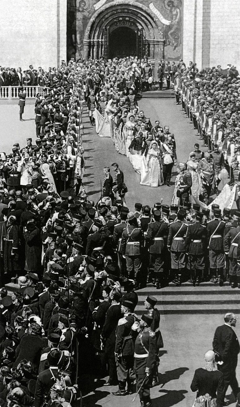 Coronation_1896,_leaving_Dormition_Cathedral