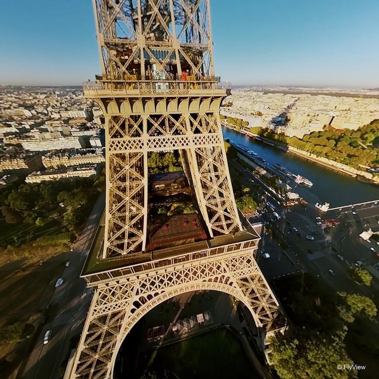 crédit photo FlyView Tour_Eiffel300dpi-min