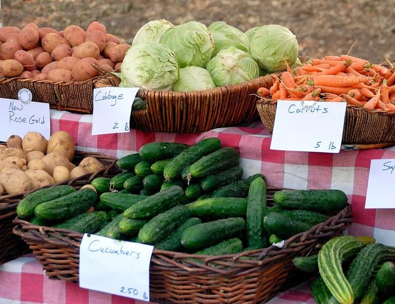https://pixabay.com/en/vegetables-for-sale-sell-buy-1689887/