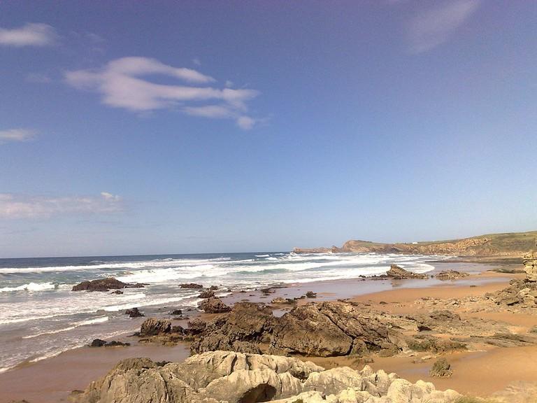 Liencres_Playa_de_Canallave_marea_baja_-_panoramio