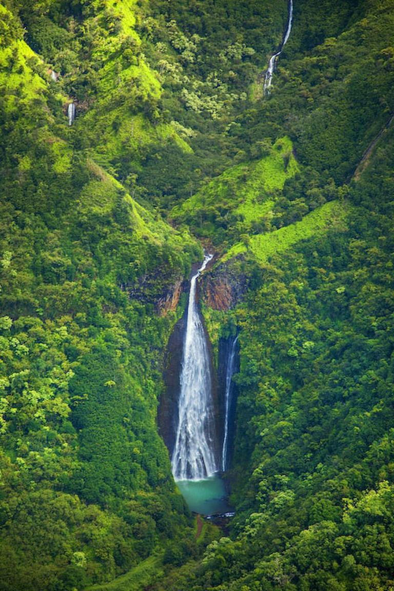 Manawaiopuna Falls | © The St. Regis Princeville Resort