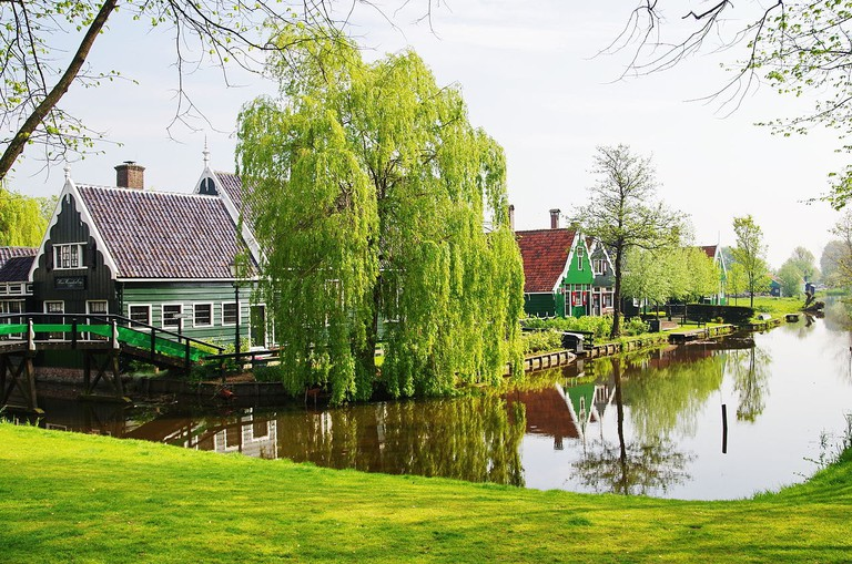 Most buildings in Zaanse Schans are painted in primary colours