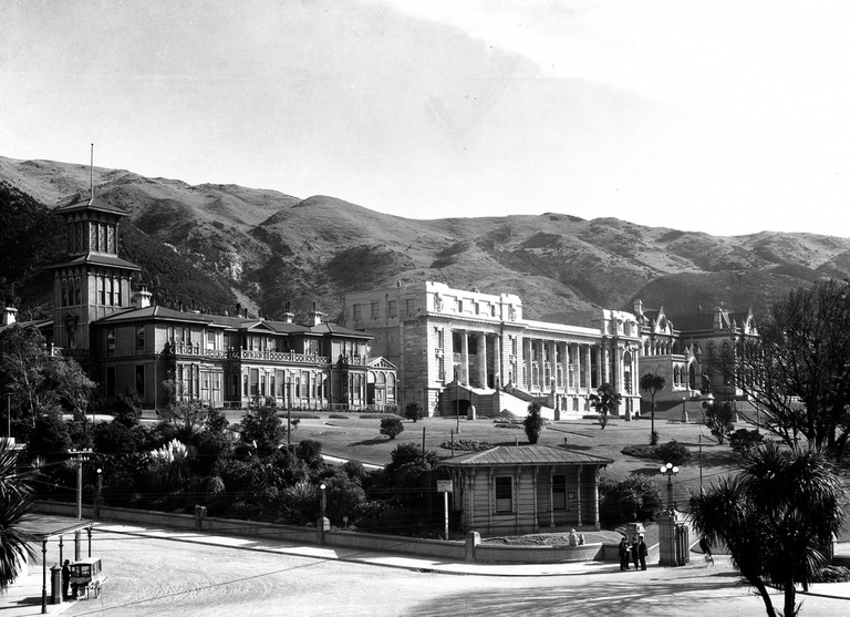 Around 1928, long before Government House was neighbour to the Beehive