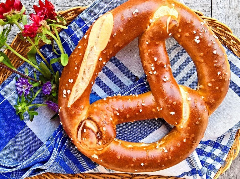 pretzel-2718477_960_720