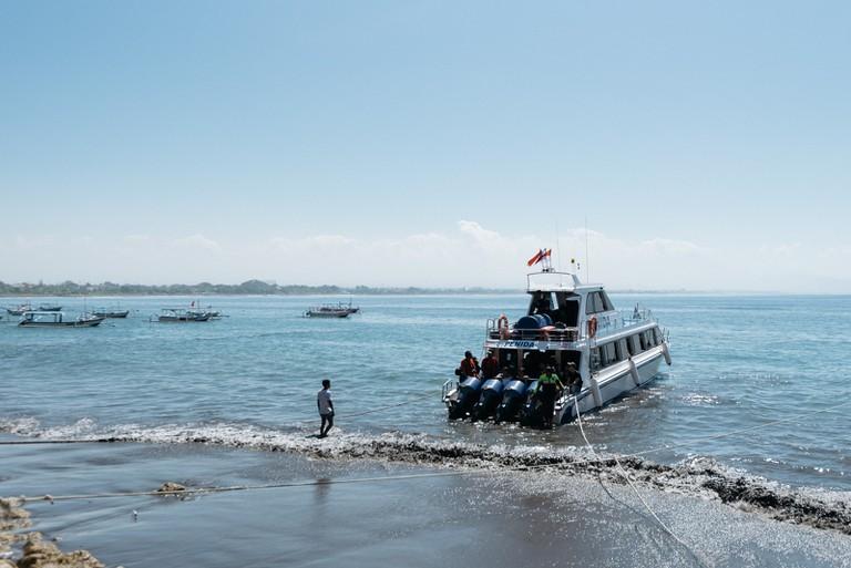 Boat-Nusa Pedia-Indonesia