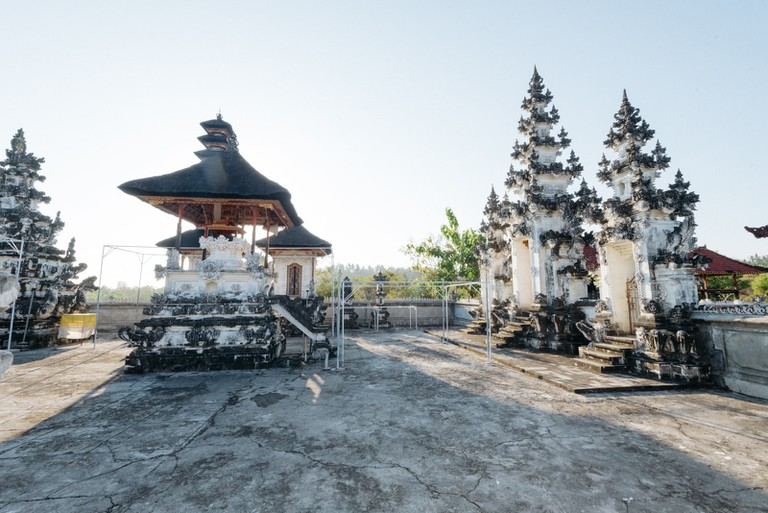 Temple-Nusa Pedia-Indonesia