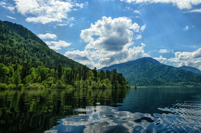 Teletskoye Lake Altai in Siberia (1)