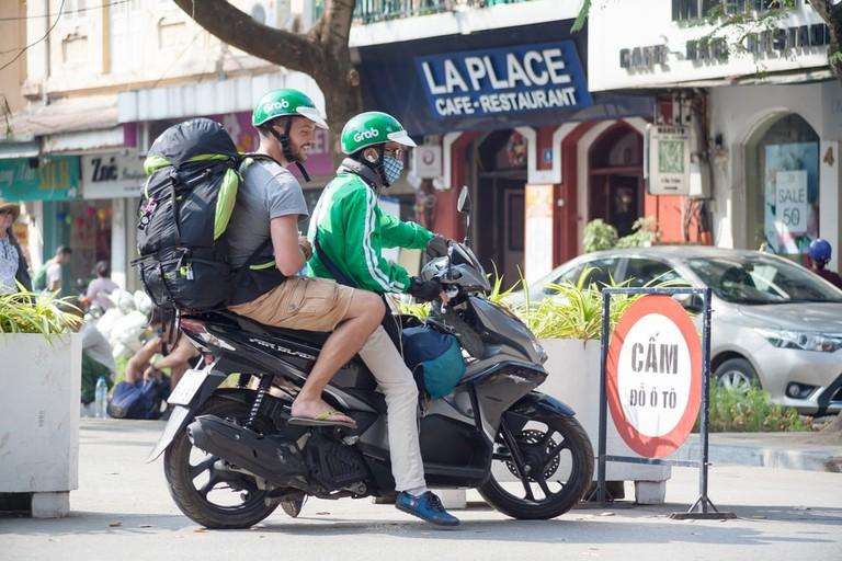 Grab (motor taxi), Vietnam