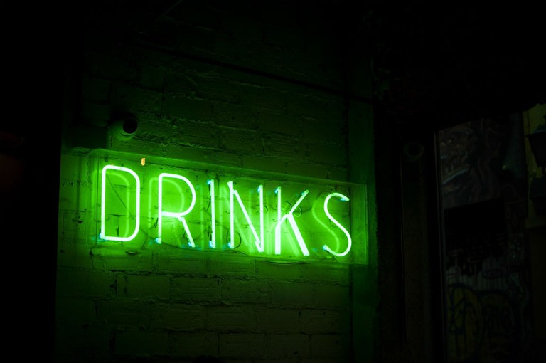Neon Drinks Sign