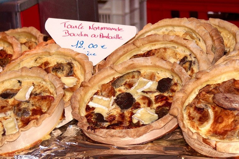 tarte normande with black pudding