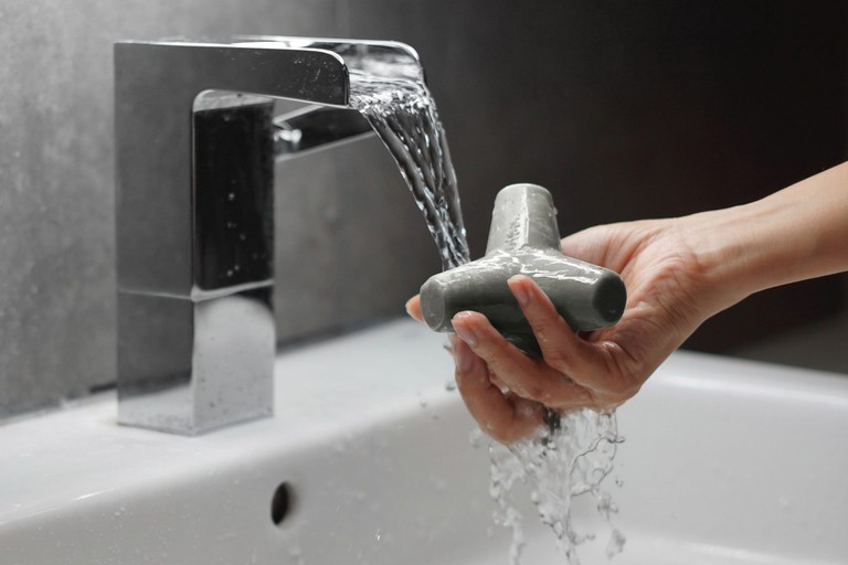 tetra-soap-concrete-brutalist-design-hygiene-_dezeen_2364_col_1-1704x1136