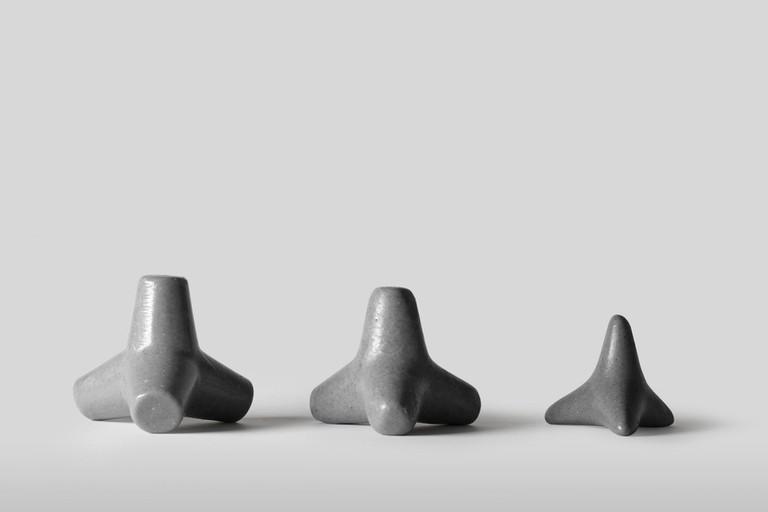 tetra-soap-concrete-brutalist-design-hygiene-_dezeen_2364_col_4-1704x1136