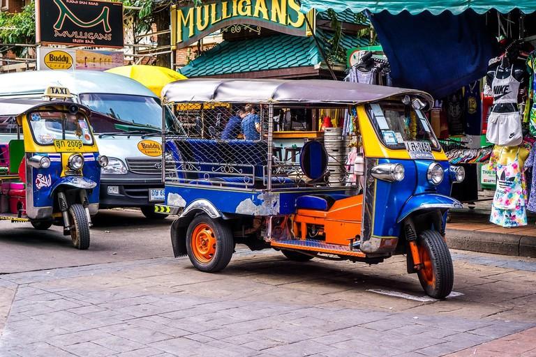 tuktuk-1643802_1280