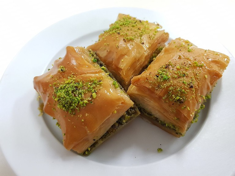 Turkish_baklava_in_Australian_turkish_cafe