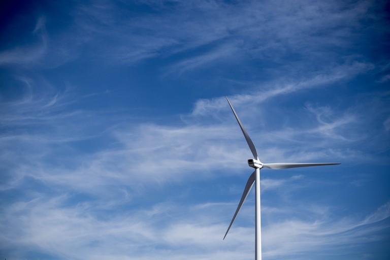 Wind turbine | © Vasilios Muselimis/Unsplash