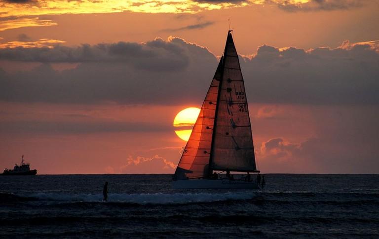 Waikiki_Sunset._(10754724466)