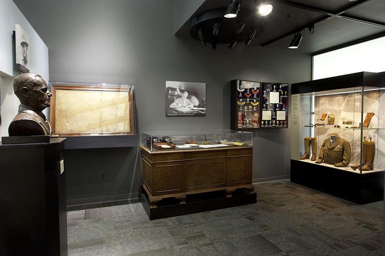 William_J._Donovan_Memorial_Room_at_the_CIA_Museum