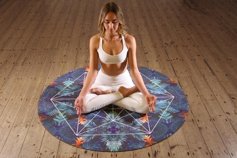 yoga small