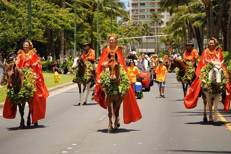 1024px-2012_King_Kamehameha_Parade_(7435872004)